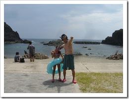 飛島で海水浴